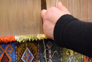 Recznie tkany dywan – kompendium wiedzy
