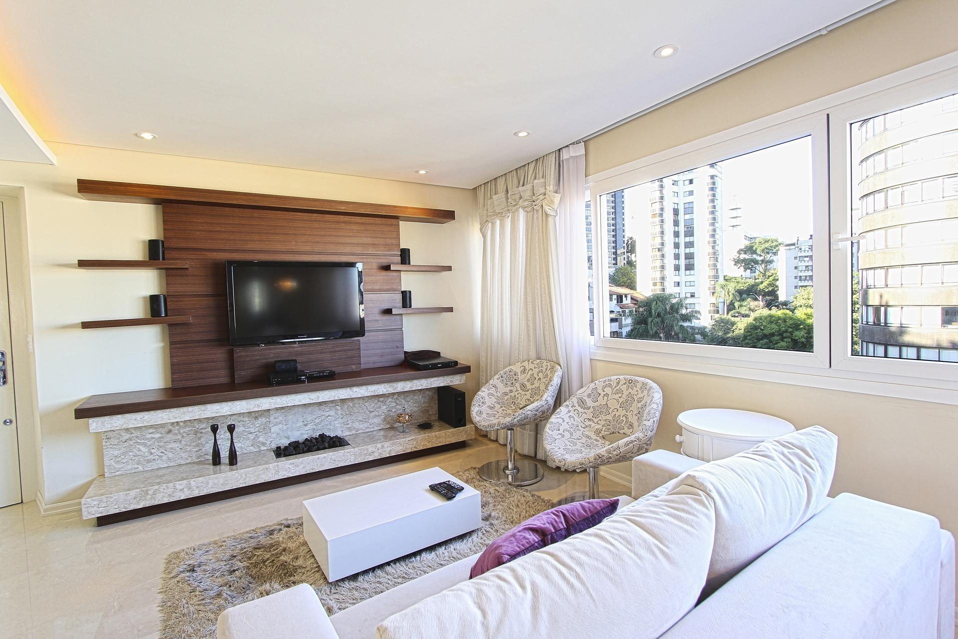 pokój z dywanem