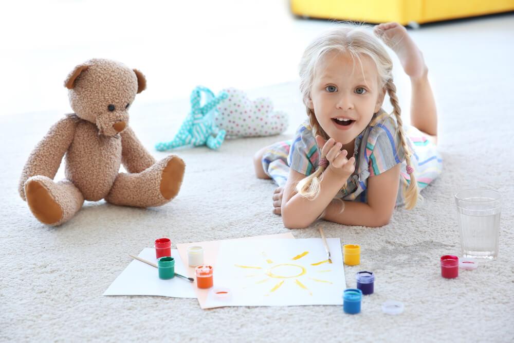 Masz małe dziecko Pamiętaj o regularnym praniu dywanów!
