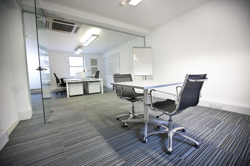 Jak zadbac o porzadek w biurze – poradnik