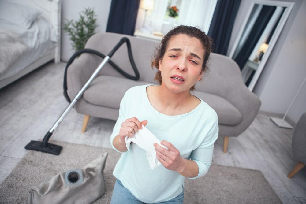 Skuteczne czyszczenie dywanow w domu alergika – poradnik