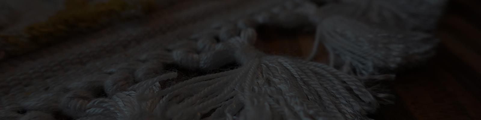 Obcinanie frędzli dywanowych
